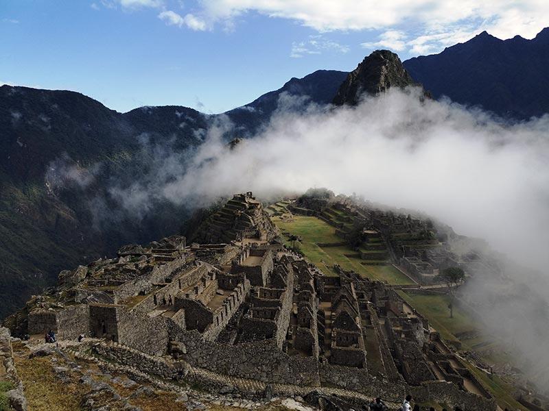 Sopra Machu Picchu