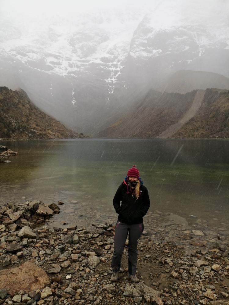 Silvia, pioggia, laguna Humantay