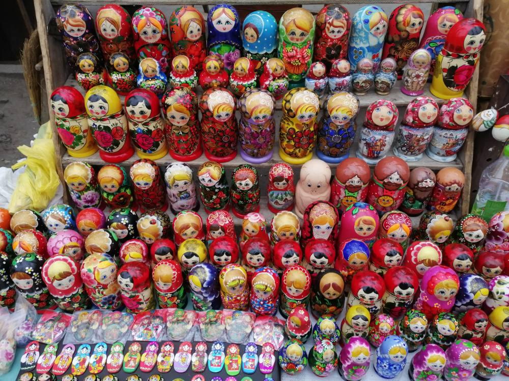 Matrioske al mercato delle pulci