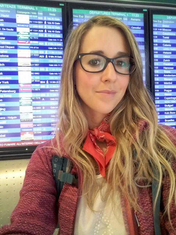 Silvia in aeroporto