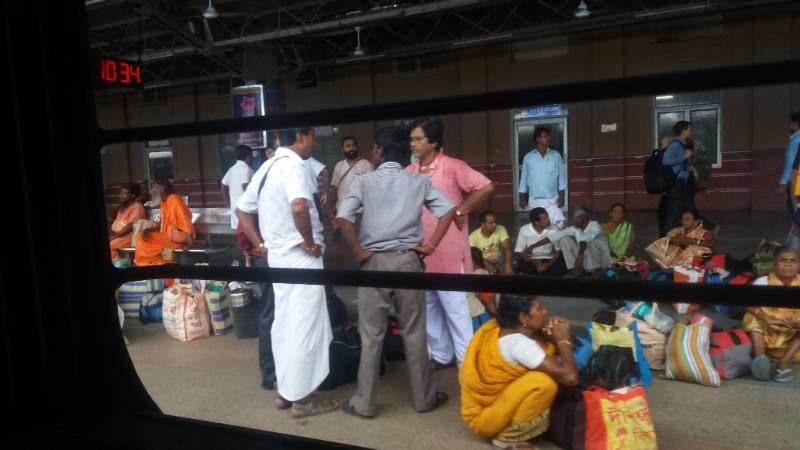 venditori chai dal treno in india