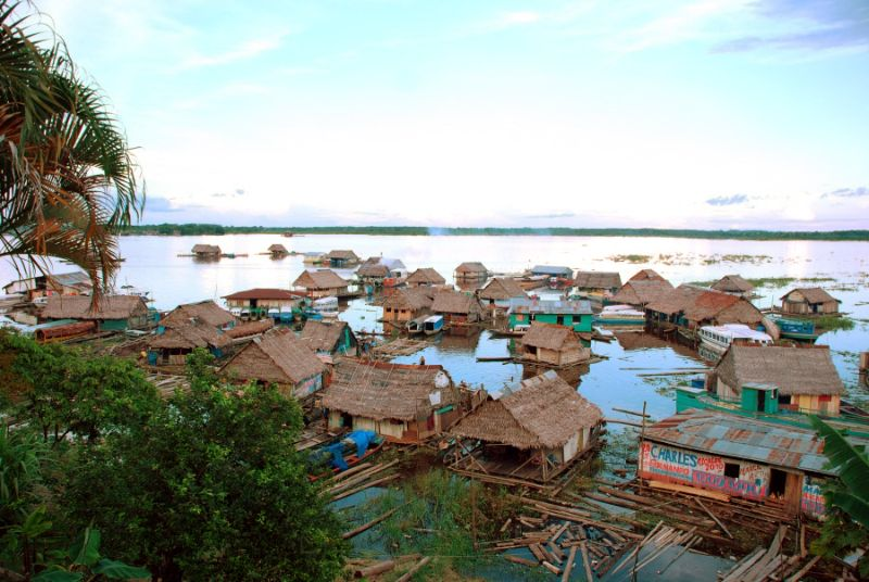 villaggio galleggiante di Iquitos