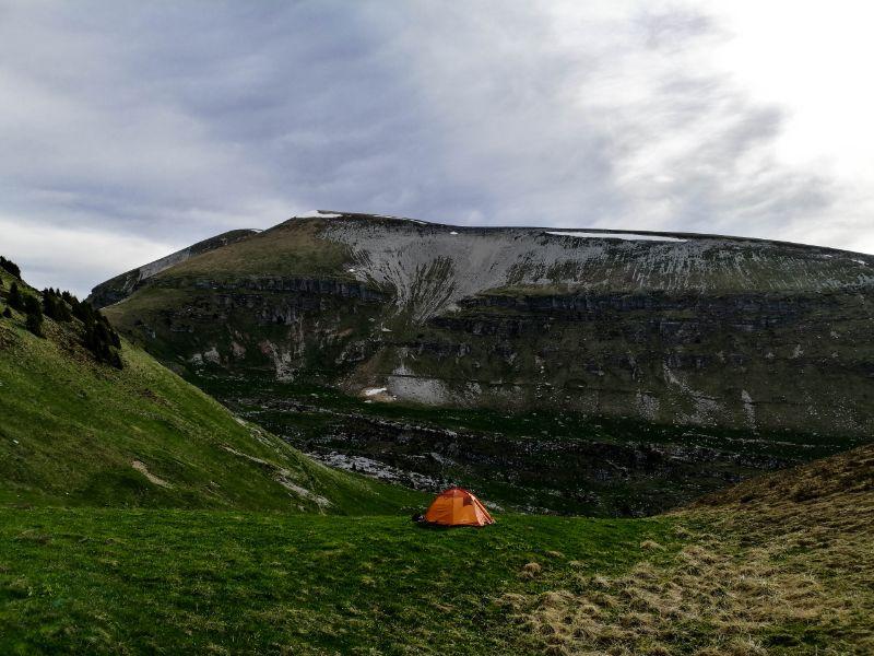 bivacco notturno in montagna