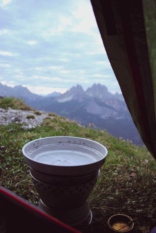fornelletto ad alcool per trekking in tenda