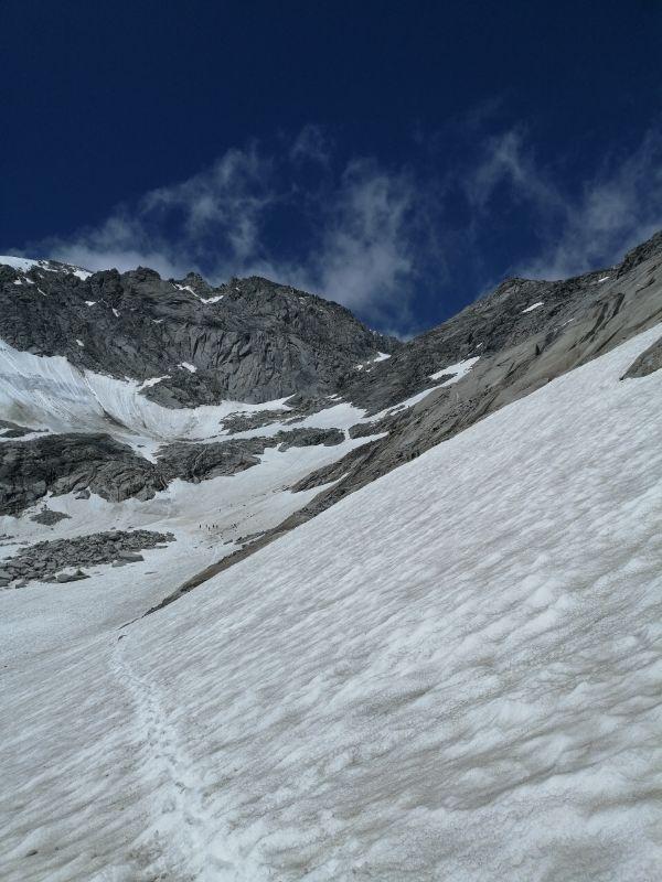 ghiacciaio prima del rifugio