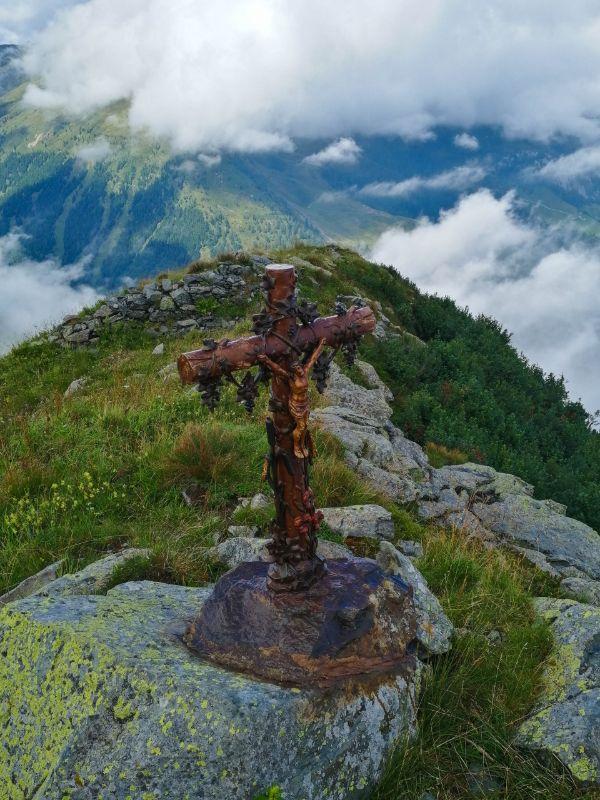 Croce di vetta del Monte Terzo