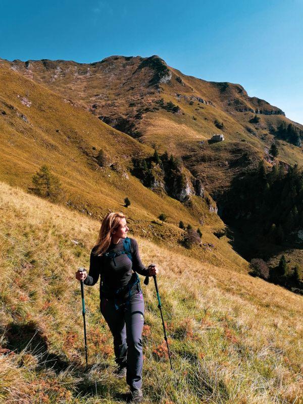 Silvia nell'autunno delle Dolomiti