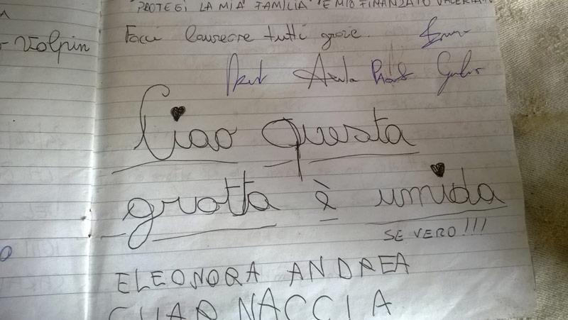 Una pagina dei libri delle firme nella grotta di Felicita
