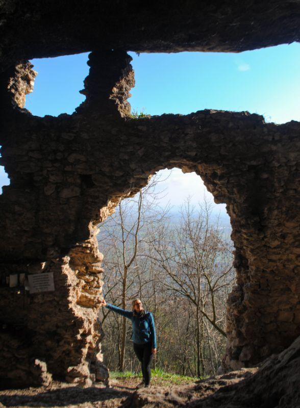 Silvia nel covolo del Merlo del Monte delle Rose