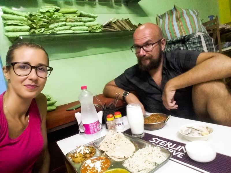 Silvia e Davide alle prese con la cucina indiana