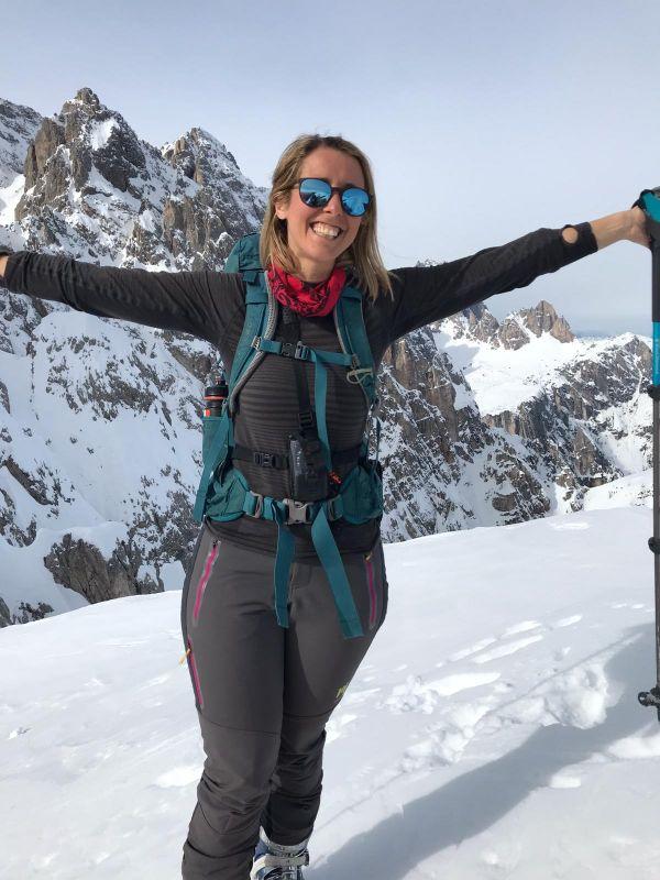Silvia e la felicità durante gita di scialpinismo